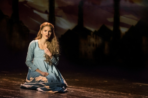 08_LM_TOUR_3974_Melissa Mitchell as Fantine.jpg